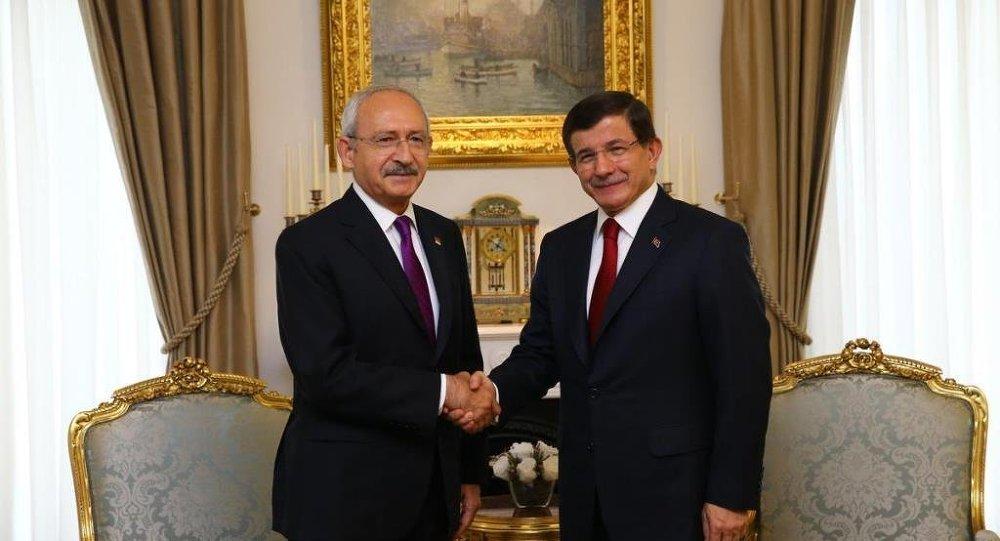 Başbakan Ahmet Davutoğlu ile CHP Genel Başkanı Kemal Kılıçdaroğlu