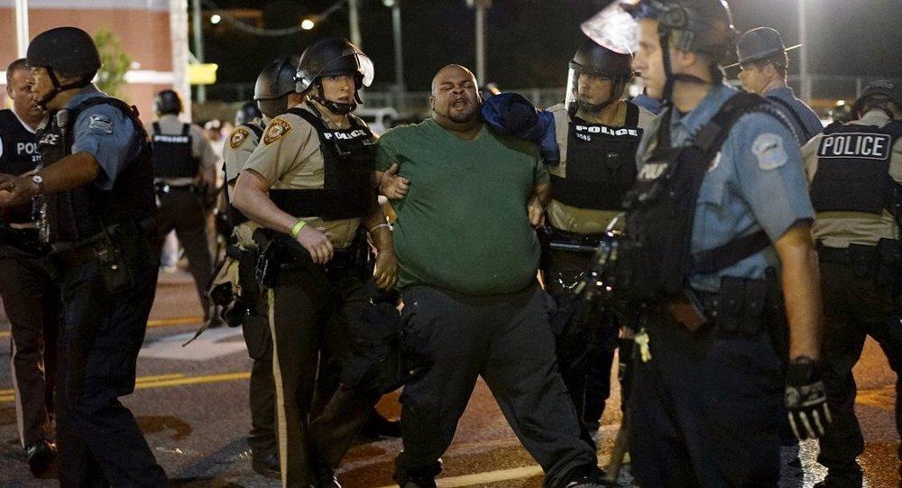 Ferguson'da Michael Brown anması