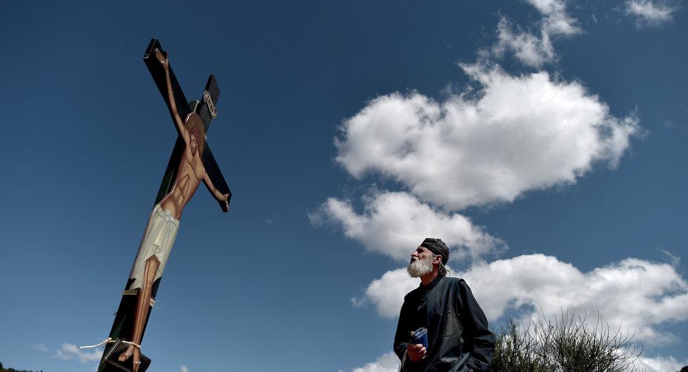 Atina'da bir İsa heykeli