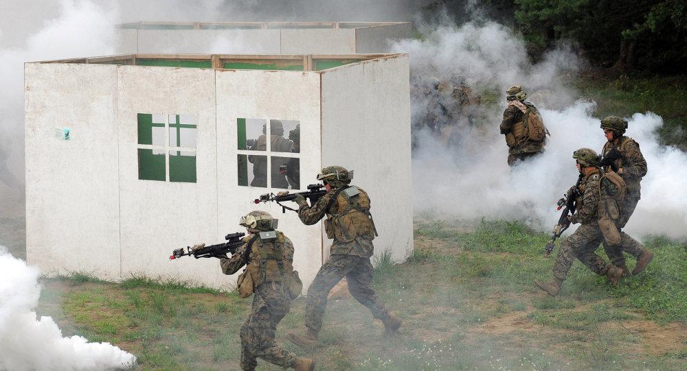 ABD askerleri, Lviv'deki bir askeri kampta