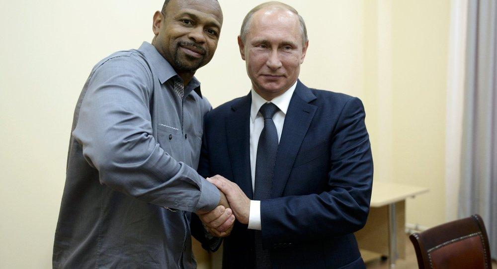 Rusya Devlet Başkanı Vladimir Putin- ABD'li boksör Roy Jones Jr.