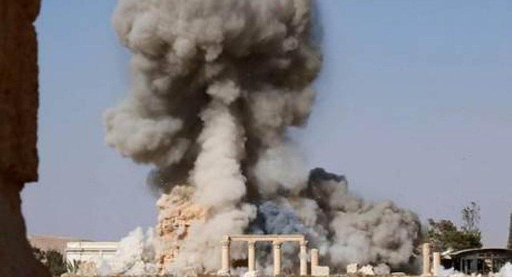 IŞİD Palmira'daki tapınağın patlatılma görüntülerini yayınladı