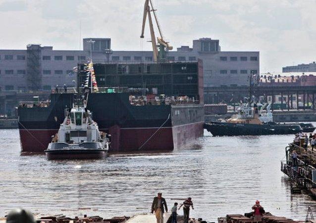 Rusya, dünyanın ilk yüzen nükleer santralini inşa ediyor