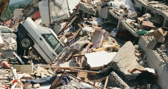 Marmara Depremi, merkez üssü olan Kocaeli'nin Gölcük ilçesinde ağır hasara neden olmuştu.
