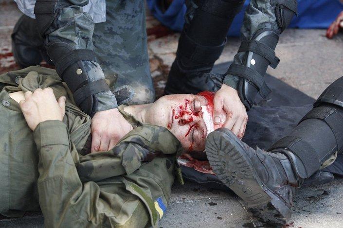 İçişleri Bakanlığı, çatışmada yaralanalardan büyük bölümünün güvenlik görevlisi olduğunu açıkladı.