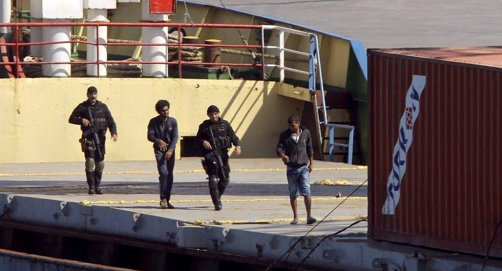 Türkiye'den Libya'ya giden gemide silah yakalandı