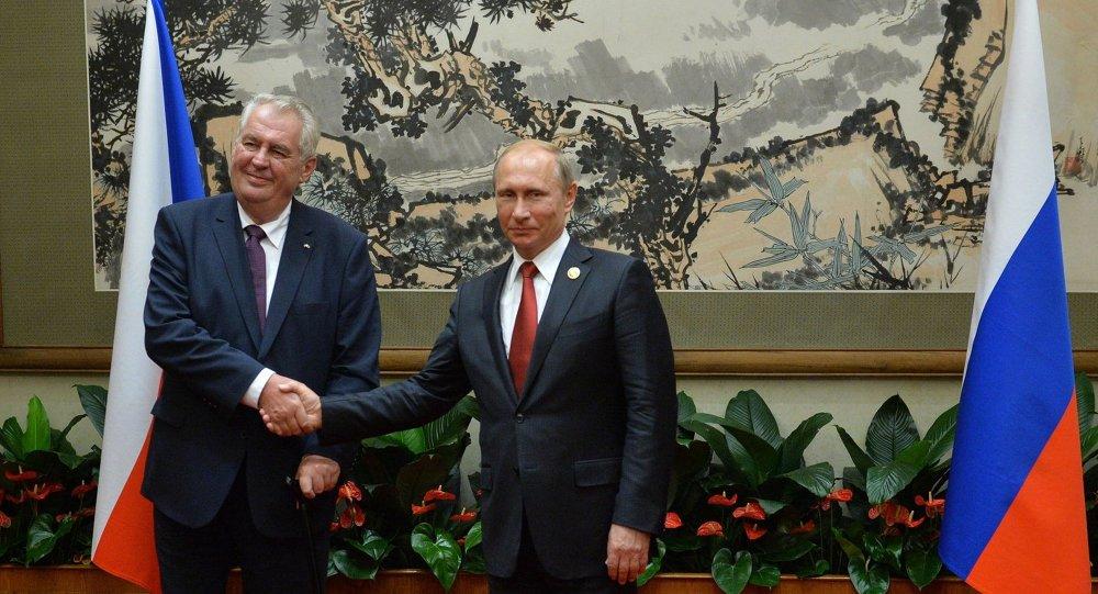 Çek Cumhuriyeti Cumhurbaşkanı Miloş Zeman ve  Rusya Devlet Başkanı Vladimir Putin