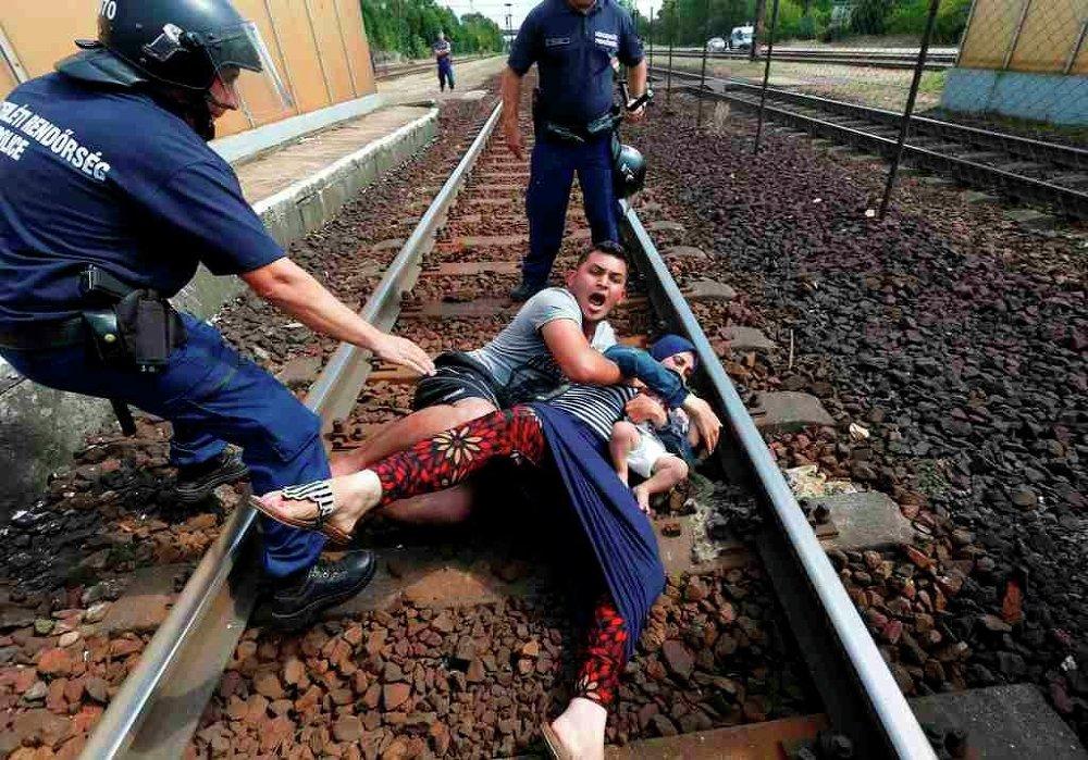 Macaristan - sığınmacı - tren