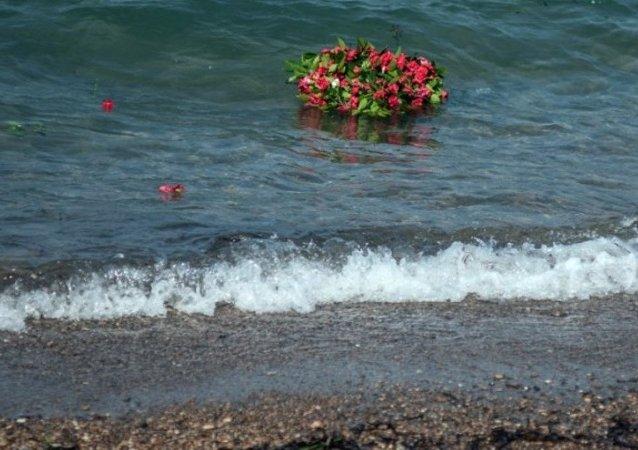 Küçük Aylan, cansız bedeninin vurduğu sahilde anıldı