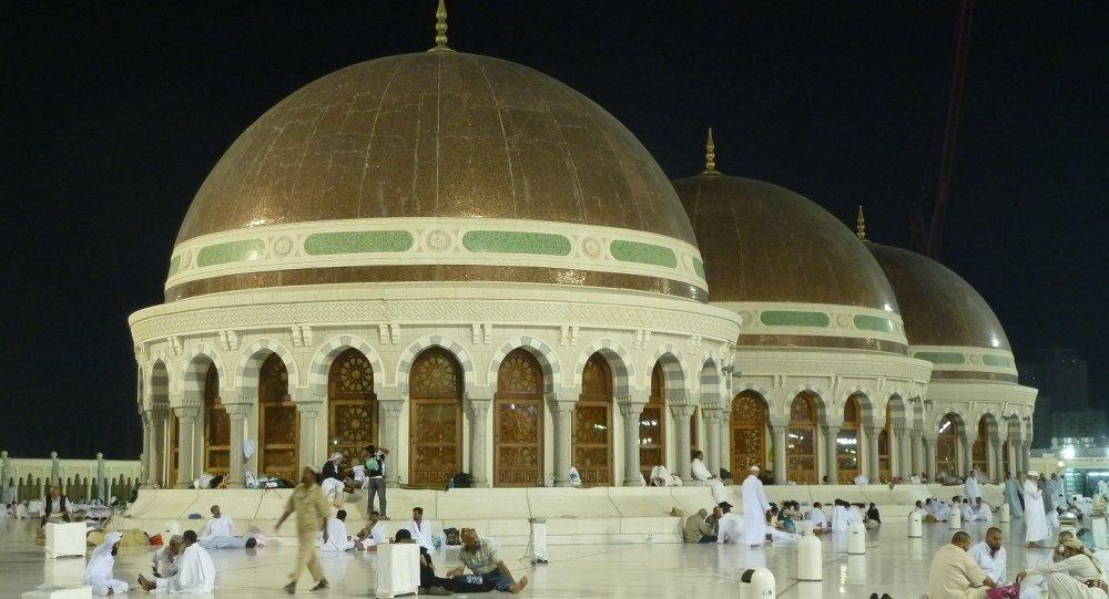 Arabistan'da hutbeler telefon uygulaması ile denetlenecek