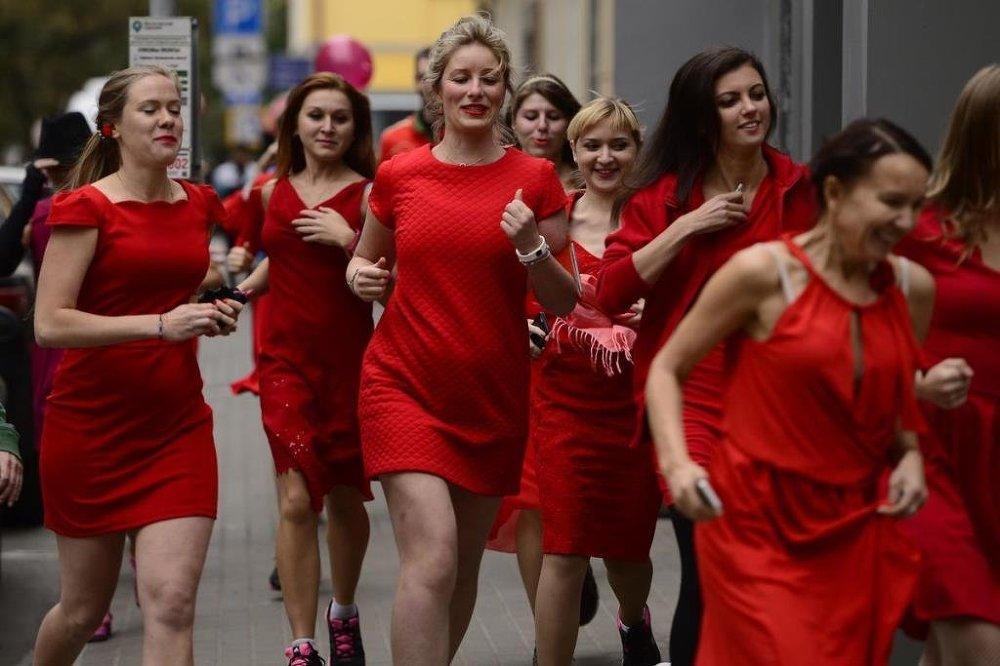 Moskova'da 'Kırmızı Elbise' 2015 koşusu