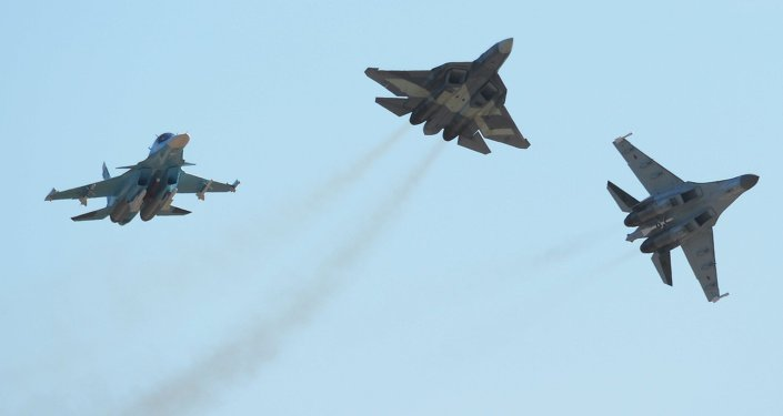 Su-34 ve Su-35 avcı uçakları