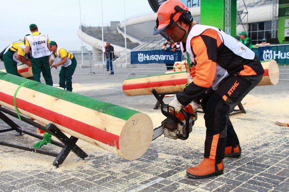 Rusya'nın ağaç kesme ustaları Kazan'da yarıştı Raynur Shakir