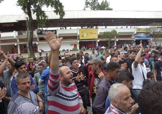 Suriyeli sığınmacılardan Edirne Valisi'ne protesto