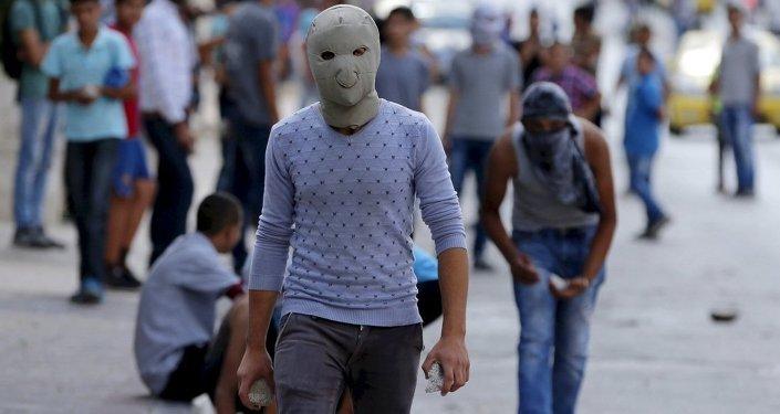 İsrail polisi, taş, Filistinli