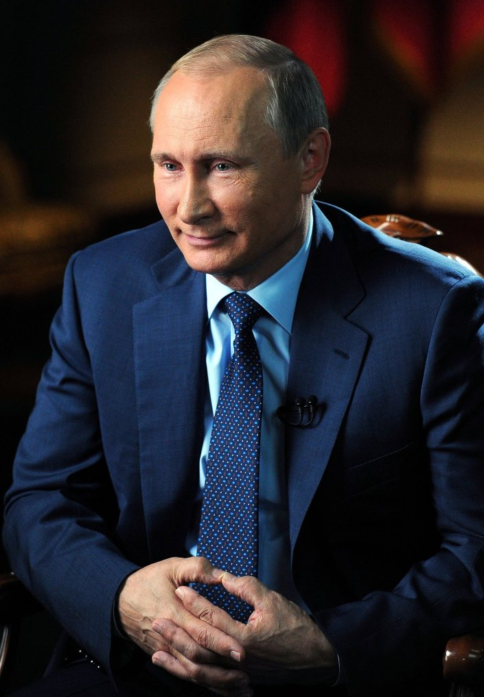 """""""Yaptığımız her şey, öğrendiğimiz tüm bilgiler, başımızdan geçen tüm deneyimler bizimle kalıyor. Onları bir şekilde kullanıyoruz. Bu anlamda, evet, haklısınız. 'Eski KGB ajanı' diye bir şey yok. Bir kez KGB ajanı olursanız, hep öyle kalırsınız."""