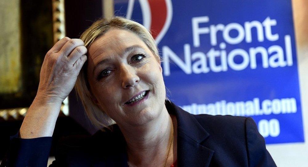Ulusal Cephe lideri Marine Le Pen
