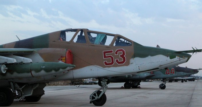Suriye'deki Hmeimim Hava Üssü'ndeki Rus Su-25 jeti / Fotojet