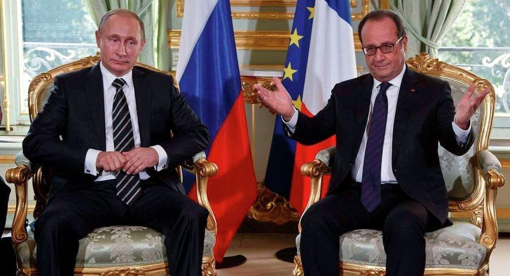 Rusya Devlet Başkanı Vladimir Putin, Normandiya Dörtlüsü liderler toplantısı için gittiği Paris'te Fransız Cumhurbaşkanı François Hollande ile Elysee Sarayı'nda görüşme gerçekleştirdi.