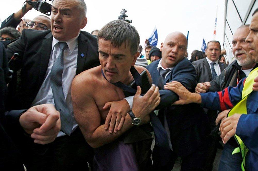 Air France yöneticileri, işçilerden dayak yedi