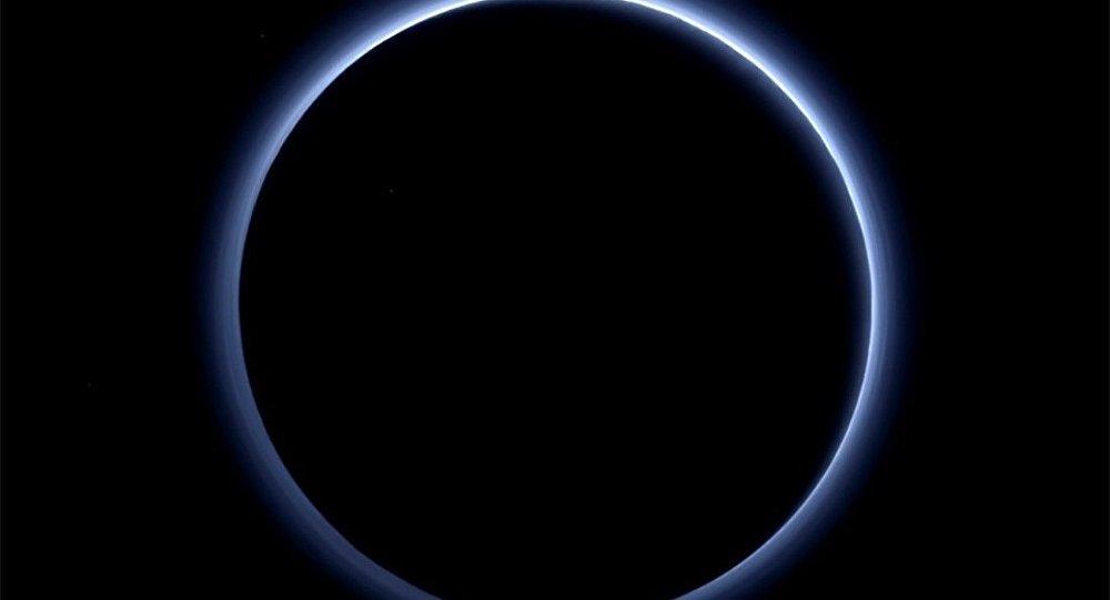 Plüton'da mavi bir gökyüzü