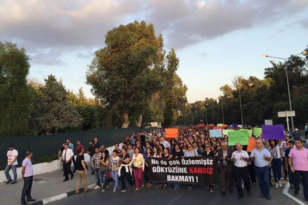 Ankara'daki katliam KKTC'de de protesto edildi. Lefkoşa'da yapılan protestoya yüzlerce insan katıldı.