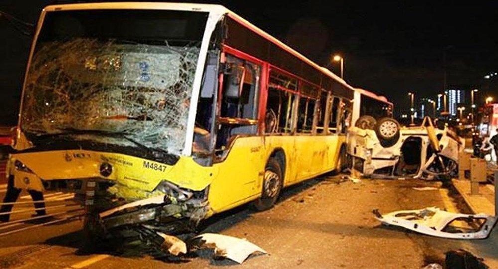 Kadıköy'de metrobüs kazası