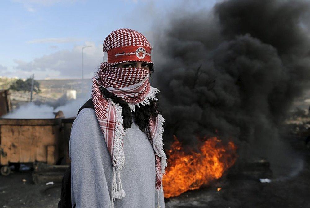 Ramallah'da Filistinliler ile İsrail askerleri arasında çatışma