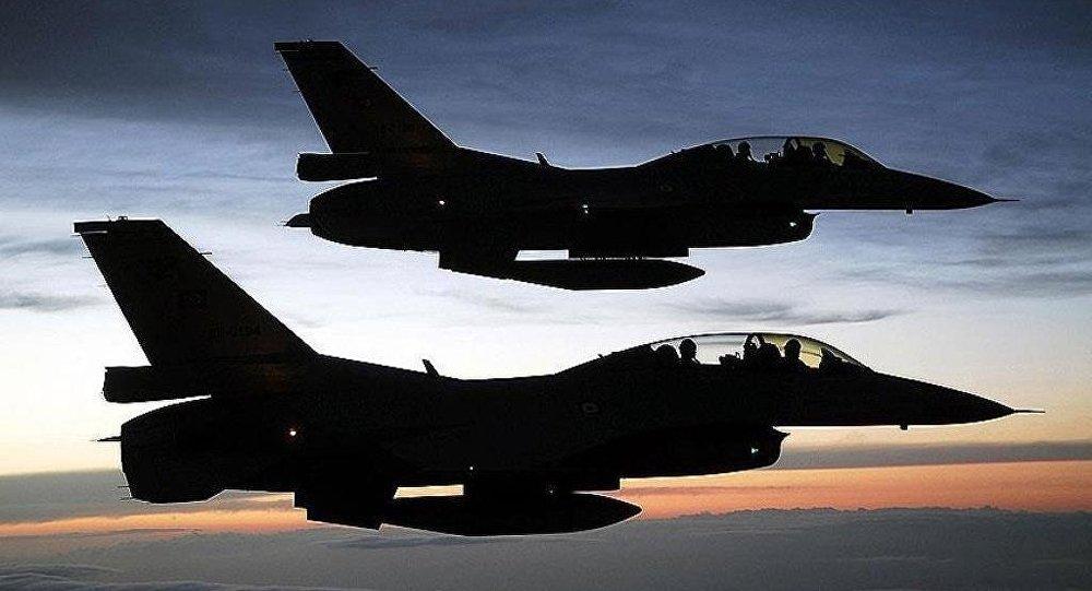 Yunan jetleri Türk hava sahasını ihlal etti