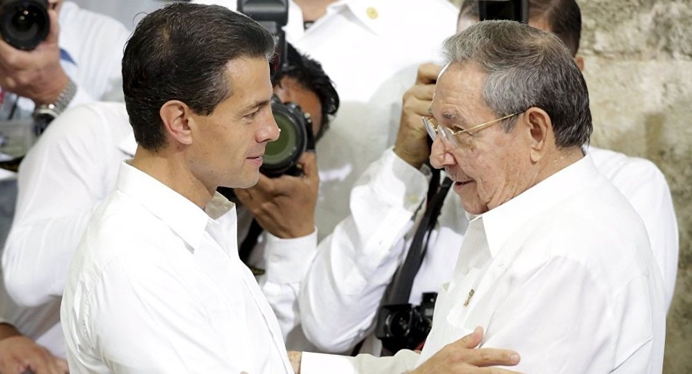 Meksika Devlet Başkanı Enrique Pena Nieto - Kübalı Devlet Başkanı Raul Castro