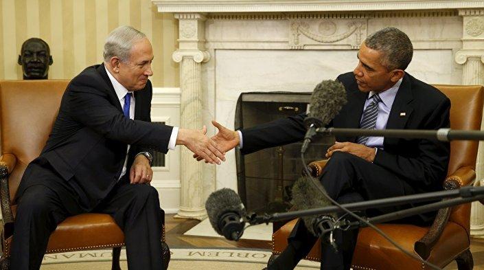 Nitekim veriler, bu 'sevginin' karşılıklı olduğunu gösteriyor. Zira ABD'yi en çok ziyaret eden İsrail başbakanı olan Netanyahu, görevde olduğu 9 yıldır tam 23 kez, yani 153 günde bir Washington'ın yolunu tuttu. Ancak İsrail başbakanları arasında ABD'yi en sık aralıklarla ziyaret etme rekoru ise Ehud Barak'a ait. Başbakanlık koltuğunda 610 gün oturan Barak, 7 kez, bir diğer deyişle de 87 günde bir ABD'ye gitmişti.