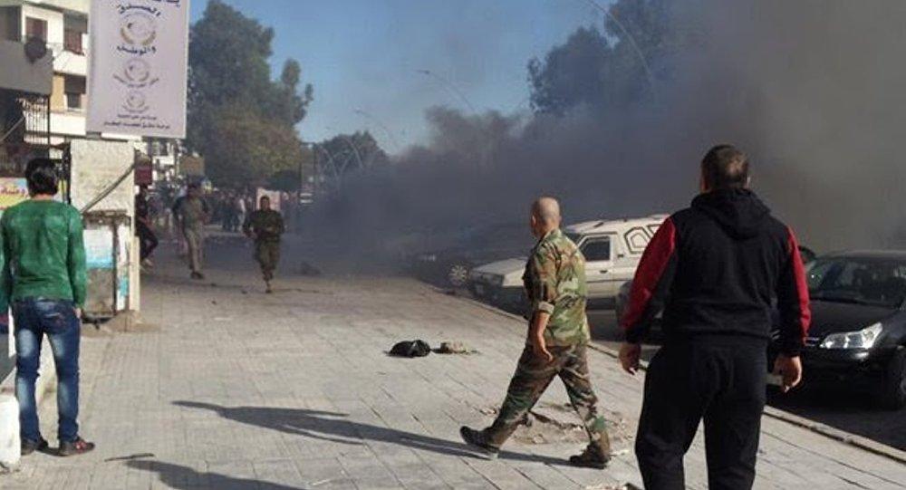 Teröristler Lazkiye'ye füze attı