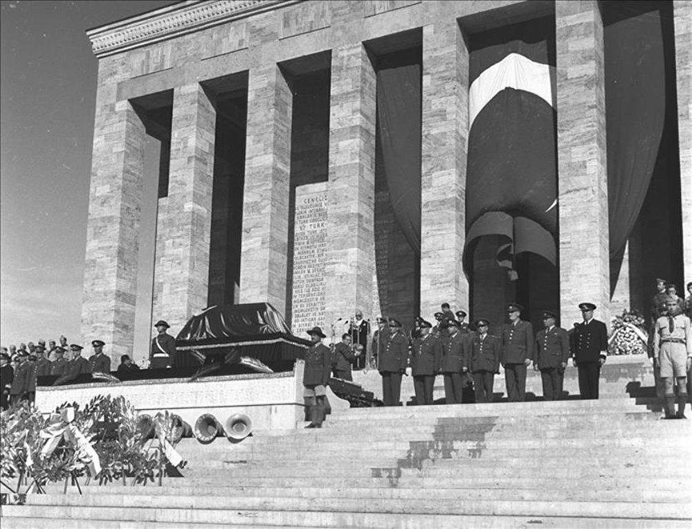 Atatürk'ün cenazesinin Anıtkabir'e yolculuğu