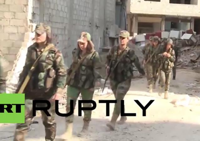Suriye ordusunun kadın tugayı, Deraya'da teröristlerle savaşıyor