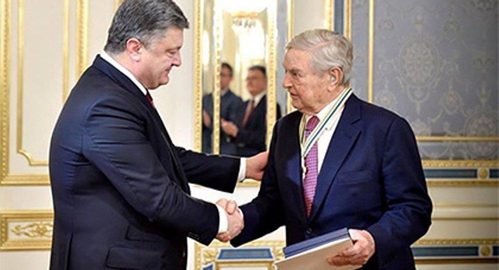 Poroşenko'dan Soros'a Özgürlük Nişanı