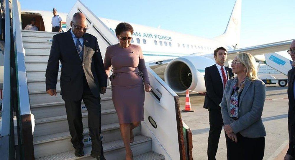 Güney Afrika Cumhurbaşkanı Jacob Zuma, G20 Liderler Zirvesi'ne katılmak üzere Antalya'ya geldi.