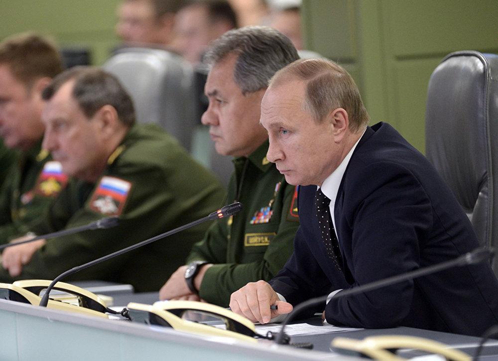 Rusya Devlet Başkanı Vladimir Putin Rusya Ulusal Savunma Merkezi'ni ziyaret etti