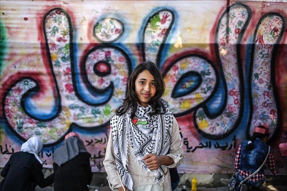 Gazzeli çocuklardan Dünya Çocuk Hakları Günü yürüyüşü