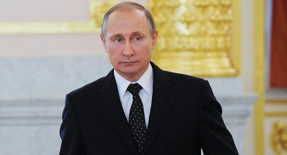 Rusya Devlet Başkanı Vladimir Putin 15 ülkenin büyükelçileri ile Kremlin'de görüştü