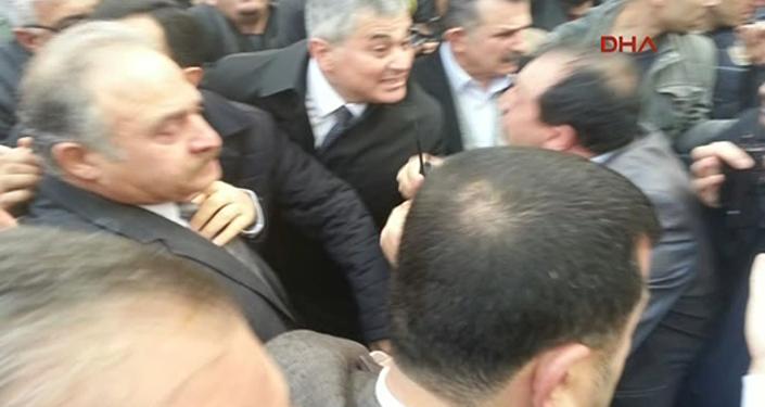 CHP'li milletvekillerine gazlı müdahale