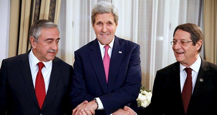 John Kerry-Mustafa Akıncı-Nikos Anastasiadis