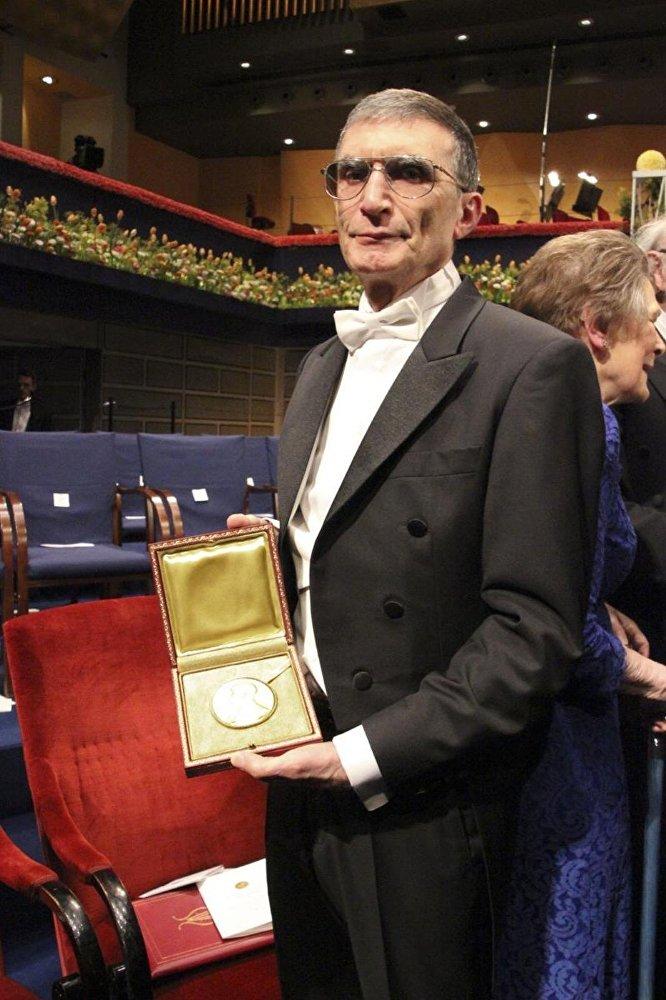 Nobel Kimya Ödülü kazanan Türk bilim adamı Aziz Sancar