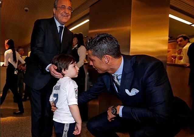 Ronaldo'dan ailesini kaybeden Lübnanlı çocuğa sürpriz