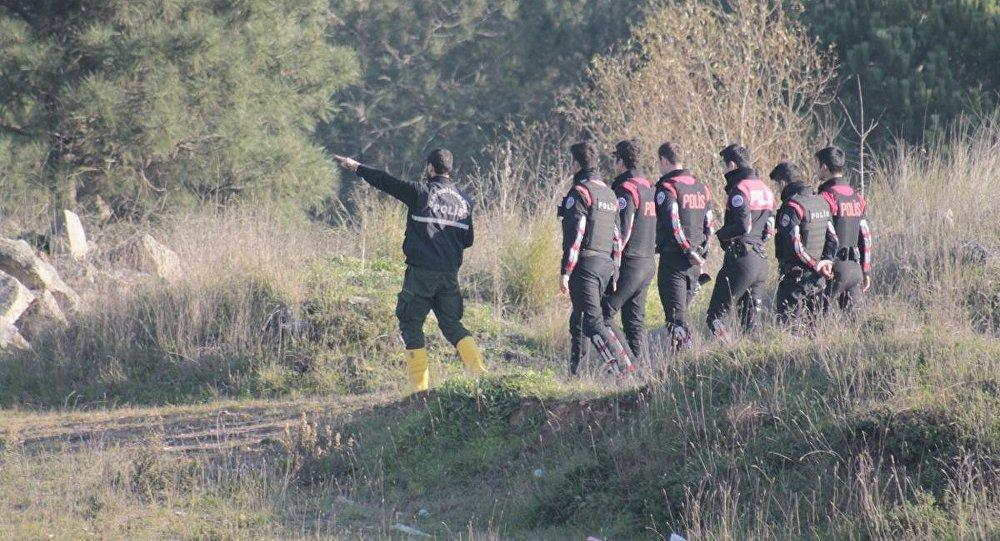 Polis, Sabiha Gökçen Havalimanı çevresinde arama yapıyor