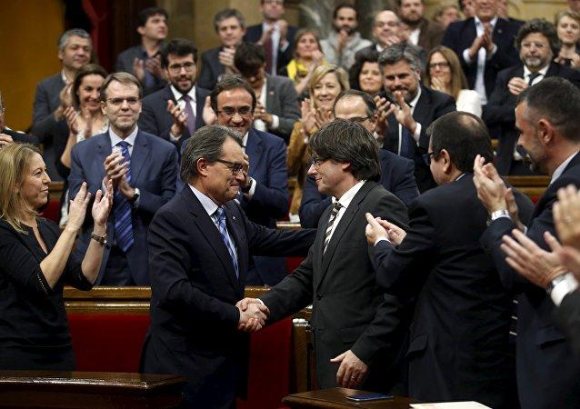 Katalonya parlamentosu / Artur Mas - Carles Puigdemont