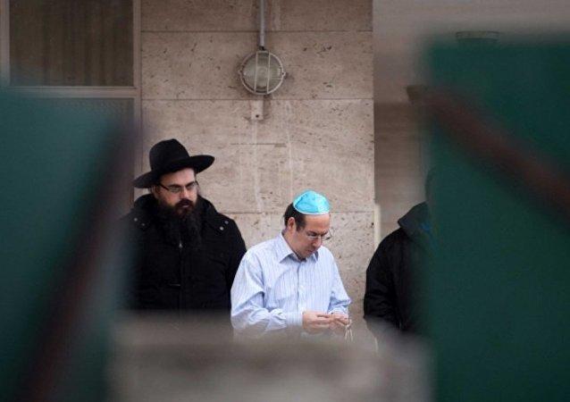 Fransa'da Yahudi öğretmene saldırı