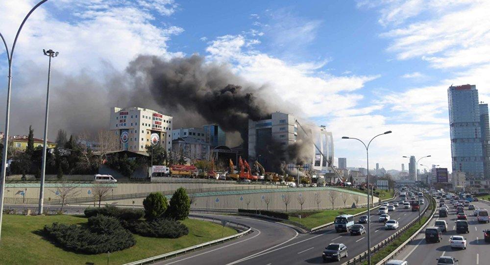Maltepe'de otel inşaatında patlama