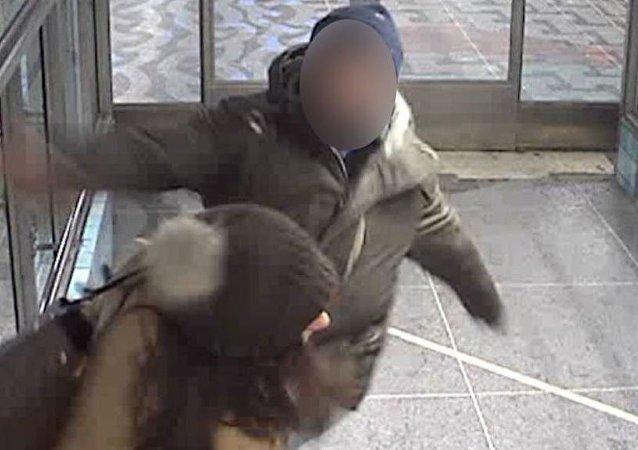 İsveç televizyonunun polise 'yardımı' infial yarattı