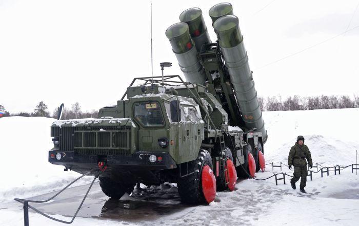 Türkiye, S-400'leri alarak NATO'dan uzaklaşacak mı?