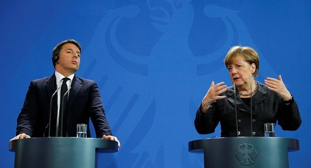 İtalya Başbakanı Matteo Renzi ve Almanya Başbakanı Angela Merkel